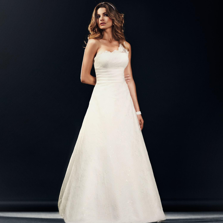 Robes de mariées chez Instant Précieux – Mariage en Vogue