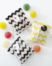 chevron-gumdrops-black-white-striped-weddings-pinterest