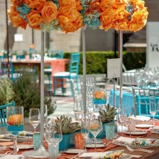 d coration de table de mariage en turquoise et corail mariage en vogue. Black Bedroom Furniture Sets. Home Design Ideas