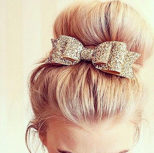 noeud-doré-cheveux