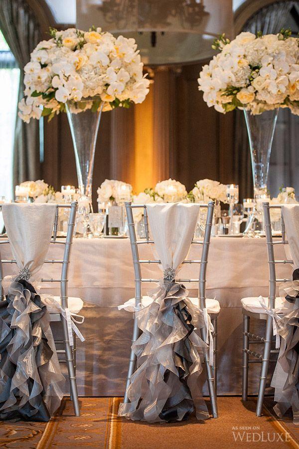 Des tables de réception de mariage chic en blanc et gris ...